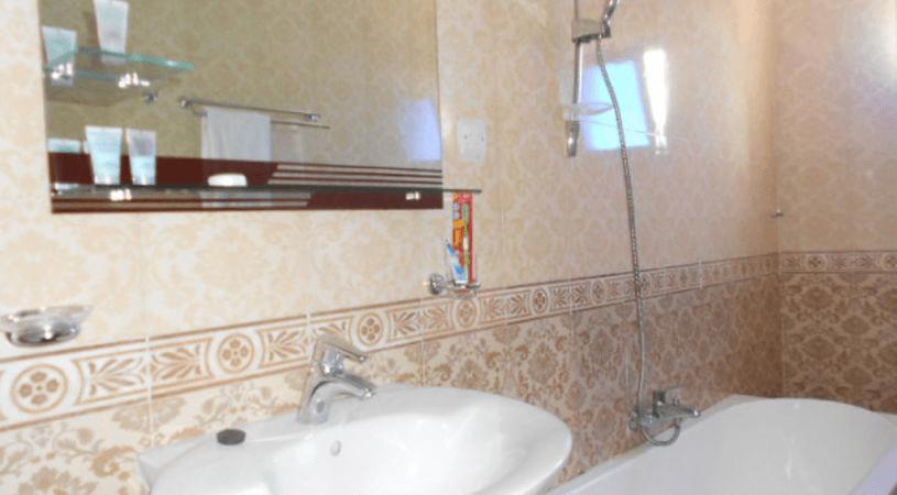 jazeera-palace-hotel-deluxe-room2-min