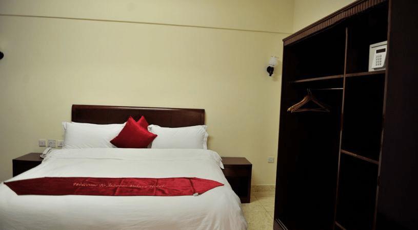 jazeera-palace-hotel-standard-room1-min